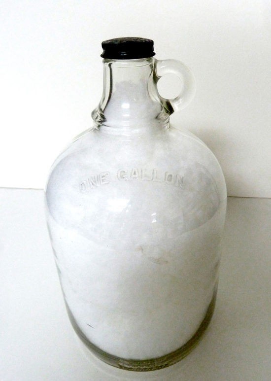 'One gallon of cloud' 2012 (mixed media, 30x16x16 cm)