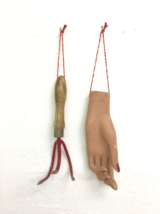 'You scratch mine and I'll scratch yours' 2015 (mixed media, 38x18x9 cm)