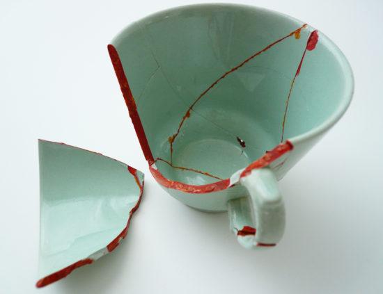 'Seeping vessel' 2009 (mixed media, 7x11x12 cm)